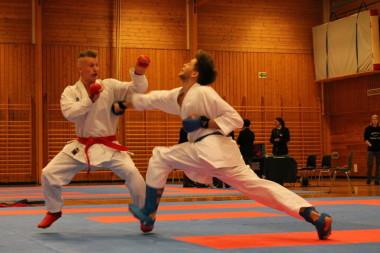 Lørdag er det duket for action og karatefest på Bygdøhus - thumbnail