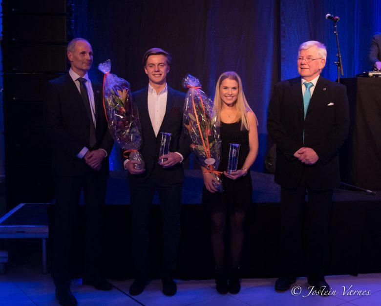 Kongepokalvinnere 2016 Martin Løkken Skaanes og Madeleine Lind sammen med representanter fra NKF. Foto: Jostein Værnes