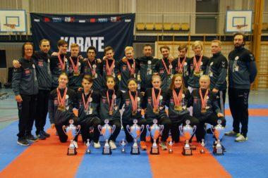 Karate-sesongen avsluttet med lag-NM - thumbnail