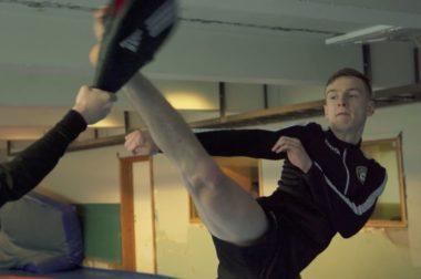 17-årige Milos utmerker seg i taekwondo - thumbnail