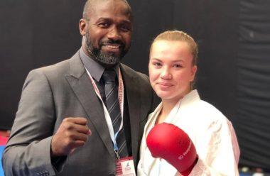 Historisk medalje i junior-VM i karate: Sarpsborg-jenta Nora (17) tok sølv. - thumbnail