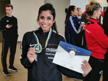 Norsk verdensener: Nina Bansal (35) topper verdensrankingen i taekwondo mønster - thumbnail